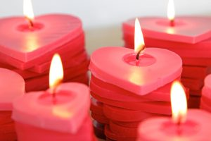stacked-candle-diy-red-valentines